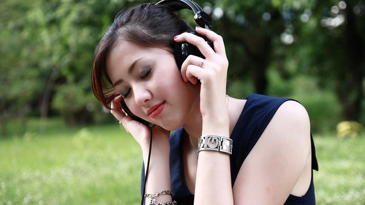 音声メディアstand.fmの特徴をわかりやすく解説【稼ぐ方法も】
