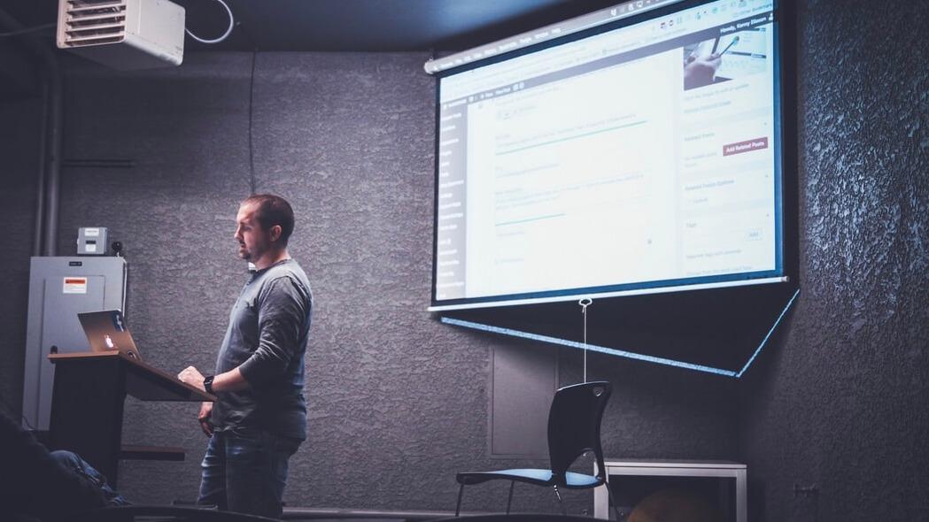 プレゼンテーションを話し方やコツで成功に導く方法【プロから学ぶ】