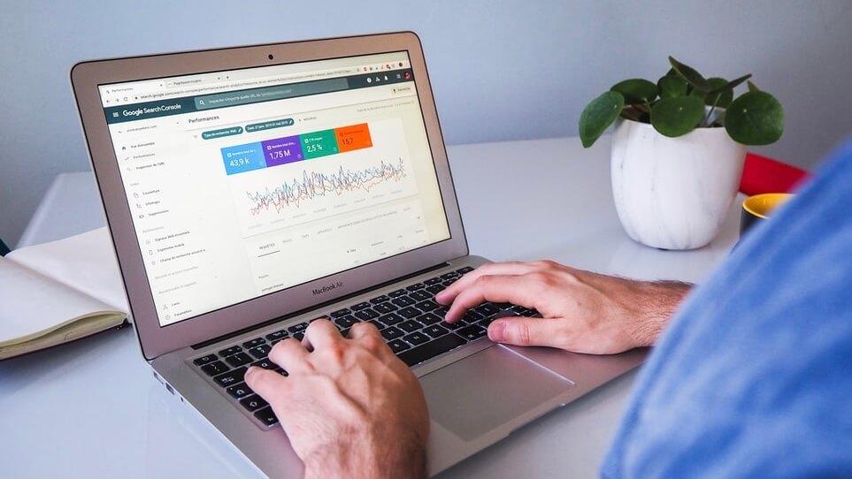 ブログの表示速度を改善して高速のサイトにする方法【Cocoonなら一瞬】